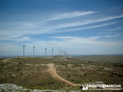 Barranco de Barbocid - molinos de viento; viajes alternativos baratos; viajes de una semana